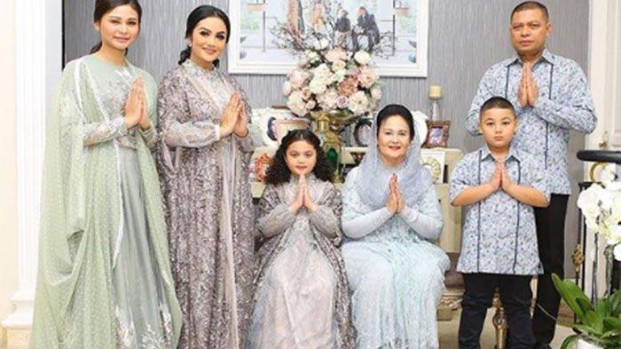 Tren Baju Lebaran 2021, Pilihan Busana Muslim Seragam Keluarga, Makin Kompak saat Idul Fitri