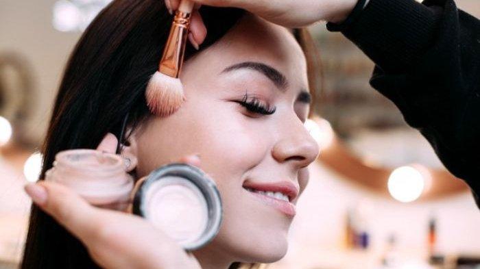 Hati Hati, Kesalahan Teknik Baking Makeup Ini Justru Membuat Wajah Terlihat Keriput Loh!