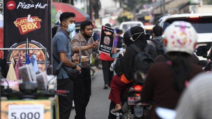 Terdampak Pandemi, 7 Restoran Ternama Ini Putar Otak dengan Jualan di Pinggir Jalan
