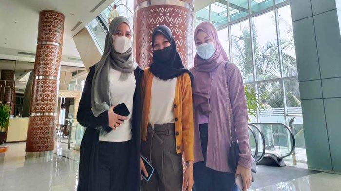 Vaksinasi Corona di Batam - Cerita Tiga Dara Karyawan Swasta Usai Divaksin