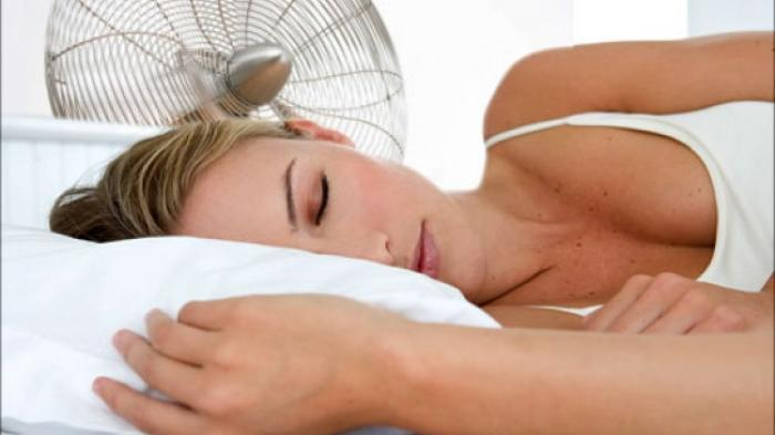 Penyebab Gemuk Tidak Hanya dari Makanan Saja, Ternyata Tidur Dengan Lampu Menyala Juga Bikin Gemuk