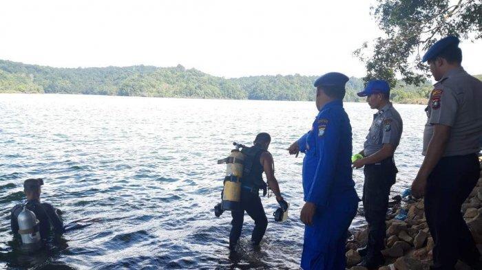 Polisi Turunkan 2 Penyelam Cari CCTV dan Pisau Barang Bukti Pembunuhan Fitri Yu
