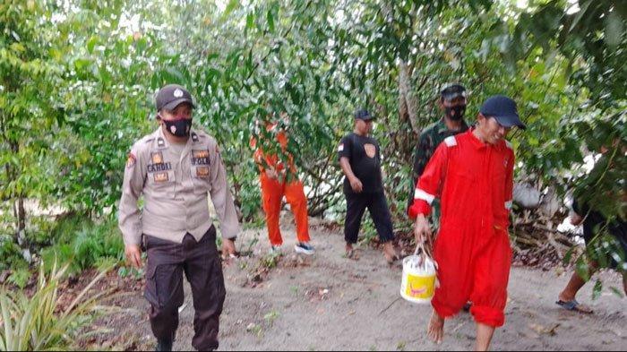 Tim SAR gabungan akhirnya menemukan Subari warga Kecamatan Selayar, Kabupaten Lingga yang ditemukan selamat setelah dinyatakan hilang saat melaut, Sabtu, (28/8).