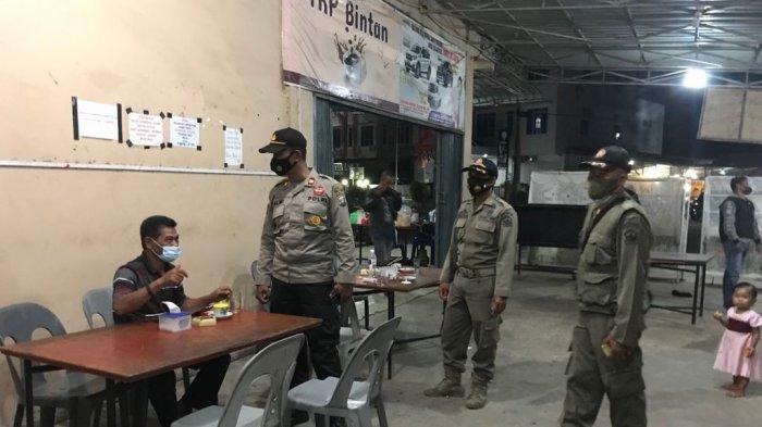 Bintan Nihil Kasus Baru Covid-19, Polsek Gunung Kijang Cek Prokes di Kedai Kopi
