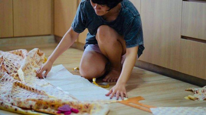 Perancang Singapore Membuat Kebaya Batik. Motifnya Unik Tapi Indah