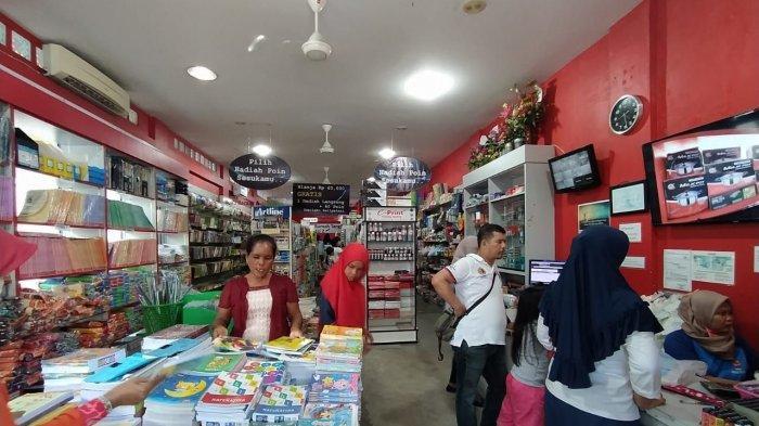 Penerapan Belajar Tatap Muka Belum Maksimal, Omzet Penjualan Buku Tulis di Karimun Turun 50 Persen