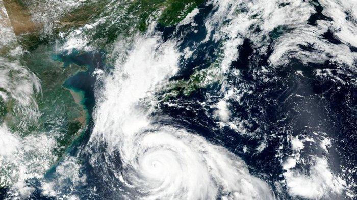 Pemerintah Filipina Bersiap Siaga Hadapi Topan Surigae dengan Kecepatan 217,26 Km/Jam