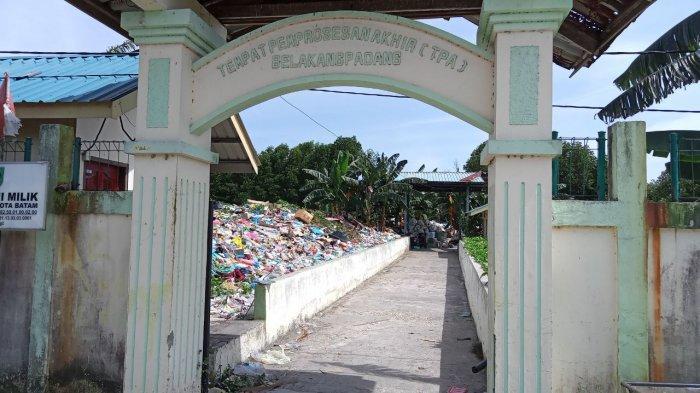 Kondisi Tempat Pembuangan Akhir atau TPA di Kecamatan Belakang Padang, Kota Batam, Provinsi Kepri, Senin (1/2/2021).