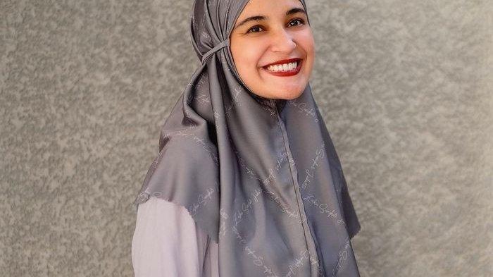 Tren Busana Fashion Hari Raya Idul Fitri 2021, Cantik dan Simpel dengan Baju dan Hijab Santun