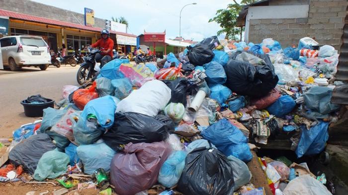 Sampah di Genta Batuaji Tiga Minggu Tidak Diangkat, Bagaimana Solusinya?