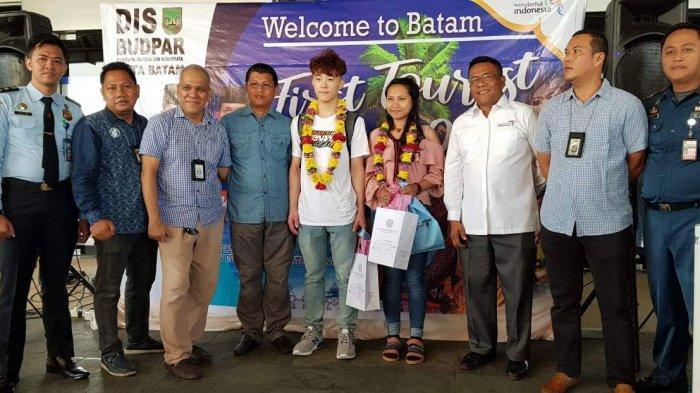 WELCOME 2019 - Tang Jiasheng, Turis Pertama Kunjungi Kota Batam di Tahun 2019