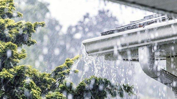 Hujan Ringan Diprediksi Bakal Turun saat Natal, BMKG Ingatkan Potensi Gelombang Tinggi