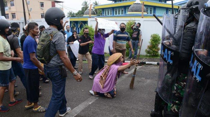 Lantamal IV Didemo Nelayan Tanjungpinang, Massa Terobos Pos Jaga, Simulasi Penindakan Huru Hara