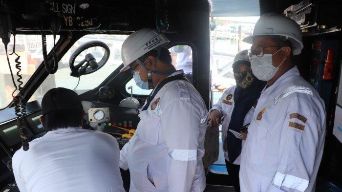 Tim Direktorat Jenderal Perhubungan Laut melalui Tim Uji Petik, Ditkapel bersama KSOP khusus Batam melakukan inspeksi keselamatan pelayaran kapal.