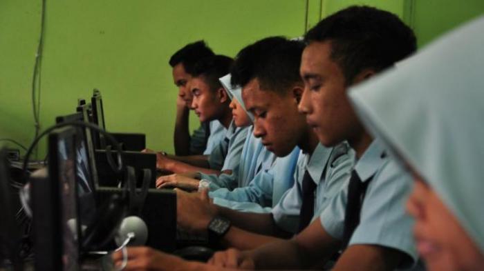 Kelulusan SMA Akhir April, Gangguan Internet Sempat Bikin Kebat-kebit Kepala Disdik Karimun