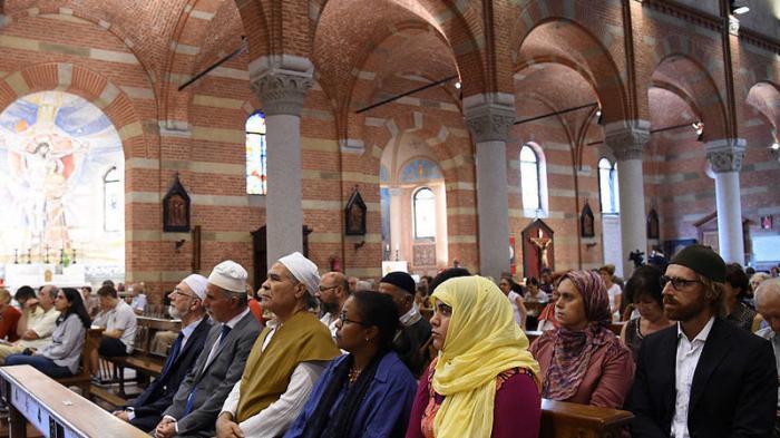 Umat Muslim Padati Gereja di Perancis Ikut Doakan Pastur yang Dibunuh Militan ISIS