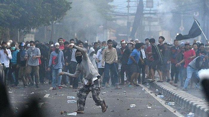 IPW: Saya Yakin Polisi atau Wiranto Tidak Berani Ungkap Dalang Kerusuhan 22 Mei, Karena Terlalu Kuat