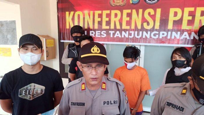 Konferensi pers di Polsek Tanjungpinang Timur, Senin (29/3/2021).