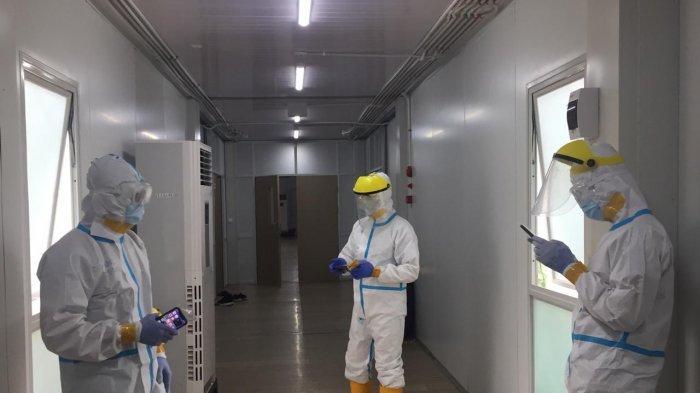 Pasien RSKI Covid-19 Galang Menurun, 3 Pasien Sembuh Corona. Foto tenaga kesehatan di RSKI Covid-19 Galang.