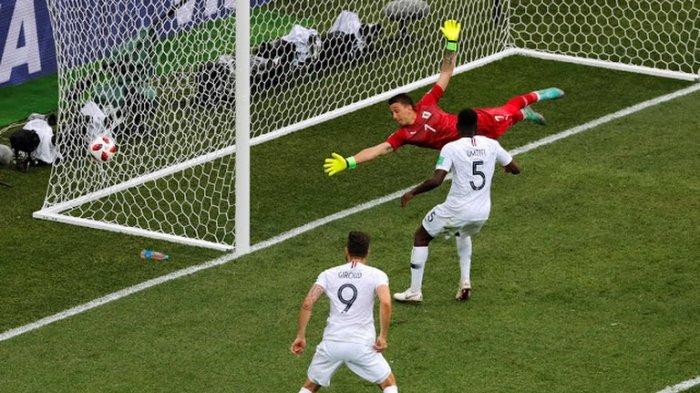 Uruguay vs Brasil - Babak Pertama, Varane Bobol Gawang Muslera