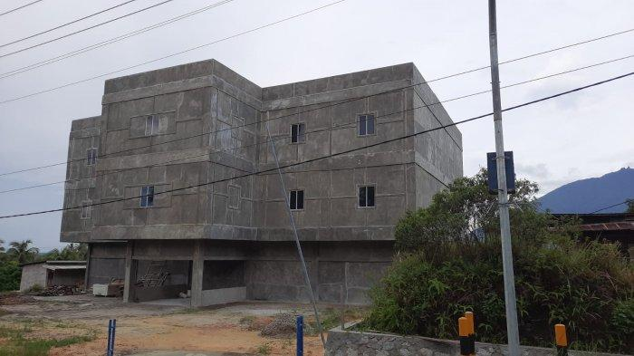 Salah satu rumah usaha budidaya sarang walet di Kabupaten Natuna, Provinsi Kepri, Rabu (18/7/2021).