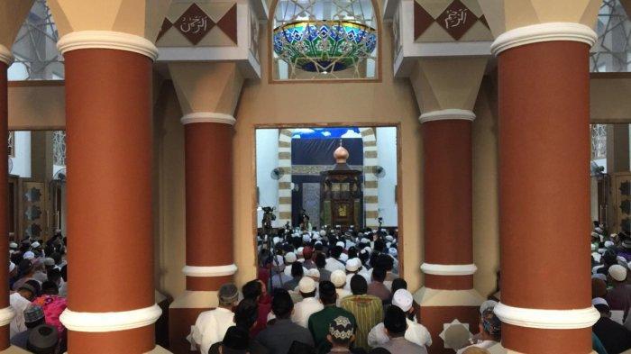 Ada UAS di Masjid Baiturrahman Karimun, Jemaah Salat Subuh Membludak, Ini Pesannya