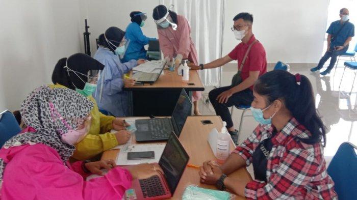 Pelaksanaan vaksinasi corona di Batam tahap II dosis pertama, Rabu (3/3/2021).
