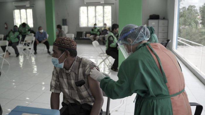 Vaksinasi Corona di Batam Sentuh Mitra Driver Gojek, Pertama di Kepri