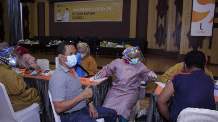 bright PLN Batam Vaksin Ribuan Pekerja dan Mitra