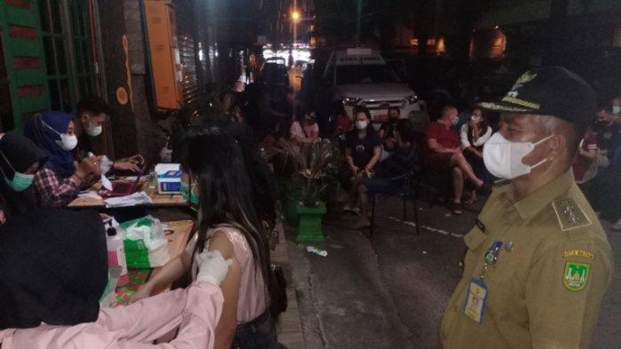 Para Pekerja dan Warga di Kampung Bule Batam Antusias Divaksinasi, Pemerintah Apresiasi