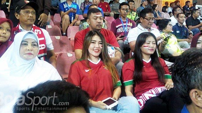 Via Vallen Ambruk di Panggung Jumat Malam, Besoknya Tonton Timnas U16 Indonesia di Stadion