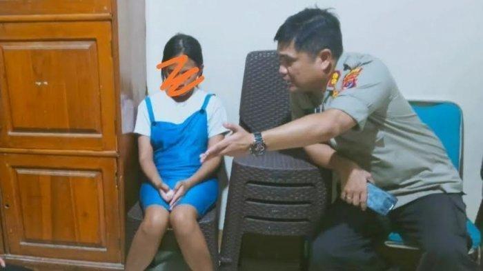 Gadis Remaja Tendang dan Pukul Kepala Ibunya Karena Tidak Disiapkan Baju Untuk Jalan