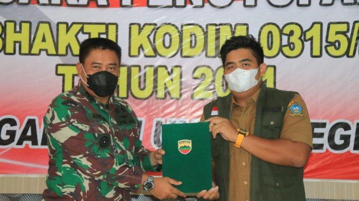 Wakil Bupati Bintan, Roby Kurniawan tutup karya bakti Kodim 0315/Bintan di Desa Toapaya, Senin (12/4/2021).