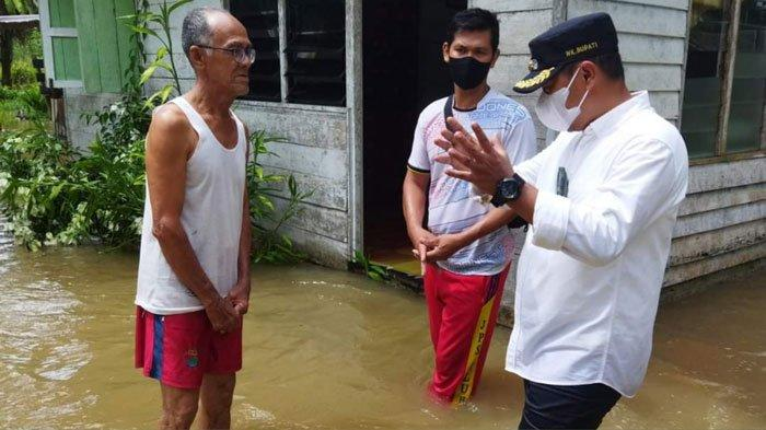 Warga Mengeluh ke Wabup Lingga Permukiman Kerap Banjir saat Hujan Lebat