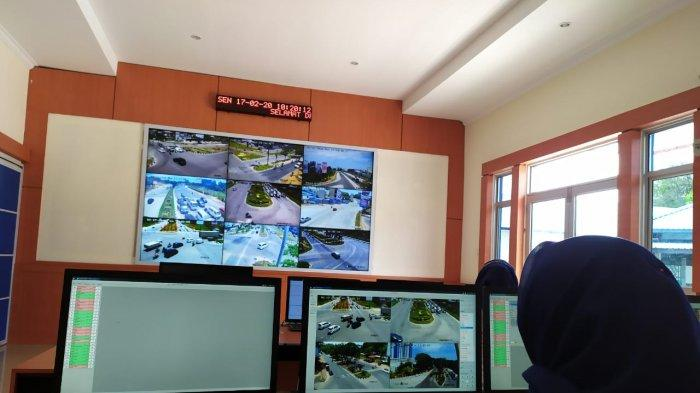 Ruang pemantauan Area Traffic Control System (ATCS) milik Dinas Perhubungan (Dishub) Batam. Dari sini, situasi dan kondisi di sejumlah ruas jalan dapat terlihat jelas.