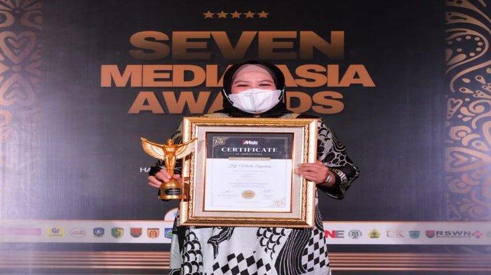 Wagub Kepri Dedikasikan Penghargaan Best Women Inspiratif 2021 untuk Anak Kepri