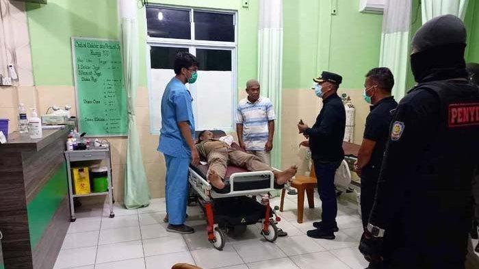 Kunjungi Pasien di RS Encik Mariyam, Wakil Bupati Lingga Neko Maksimalkan Pelayanan Kesehatan