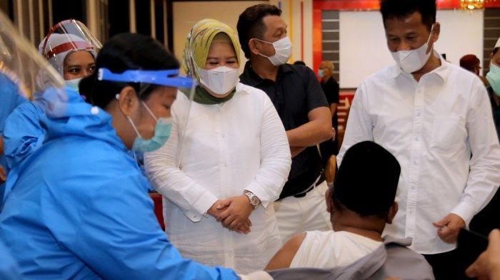 Wagub Kepri Tinjau Vaksinasi Corona di Kepri, 'Cepat Sehat, Ekonomi Bangkit'