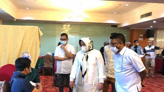 The Deputy Governor of Riau Islands Appreciates All Batam Tourism Actors Completed Vaccination