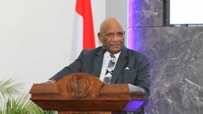 Foto semasa hidup Wakil Gubernur Papua Klemen Tinal
