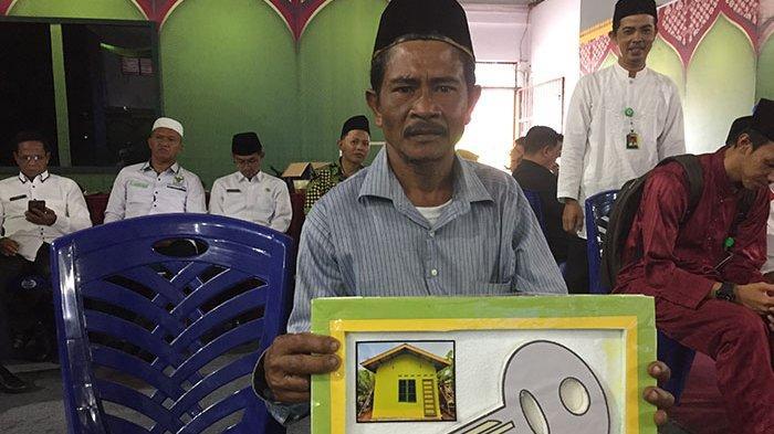 Dapat Bantuan Rehab Rumah, Warga Siantan Selatan Anambas ini Sempat Takut Dipanggil Kecamatan