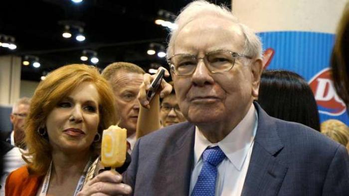 Warren Buffett Berguru ke Benjamin Graham, Piawai Analisa Pasar Saham