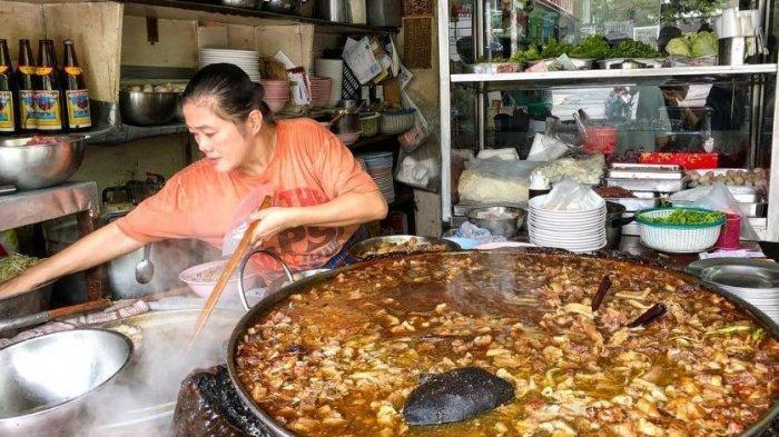 Sajikan Kuah Kaldu Berusia 45 Tahun, Wattana Panich Jadi Restoran Populer di Thailand