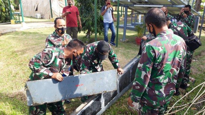 Ada Kode Rahasia di Bangkai Pesawat yang Ditemukan Warga Bintan, Anggota TNI Lakukan Penyelidikan