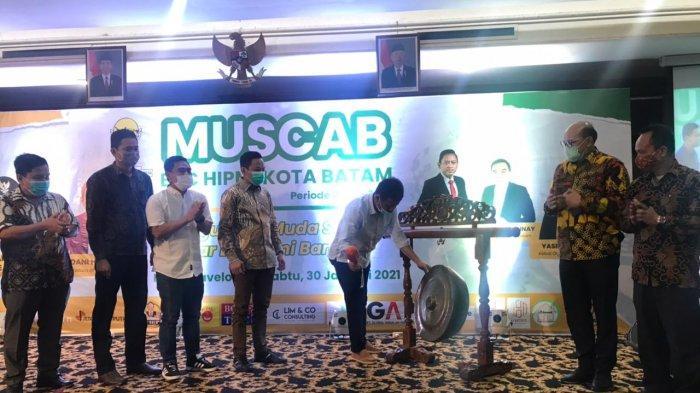 Louis Loi Terpilih Jadi Ketua DPC Hipmi Batam, Rudi Minta Pengusaha Muda Berperan Dalam Pembangunan