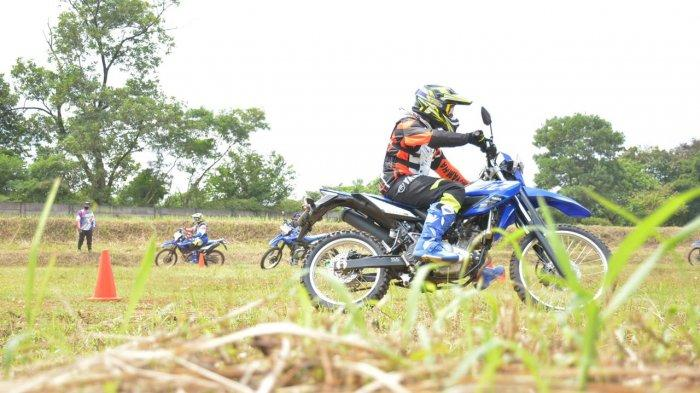 Asah Skill Riding Offroad Sambil Seru-seruan Bareng WR 155 R
