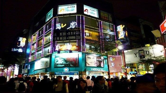 Ximending, pusat perbelanjaan favorit wisatawan di Taipei,Taiwan