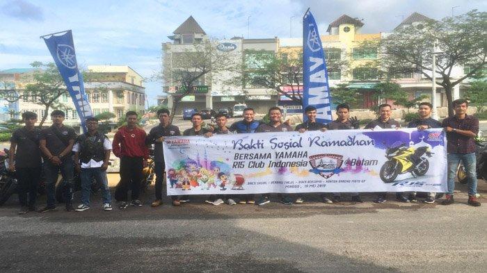 Beri Santunan dan Bagikan Takjil,Yamaha R15 Club Indonesia Gelar Bakti Sosial & Buka Puasa Bersama