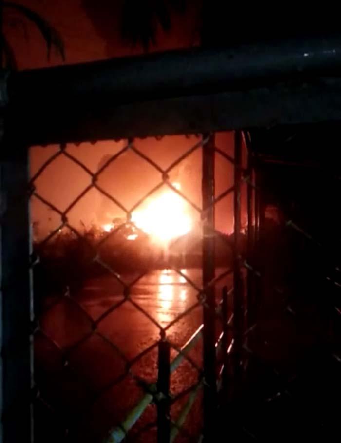 Kilang minyak PertaminaRefinery Unit (RU) IV Cilacap terbakarJumat (11/6/2021) malam sekira pukul 20.00 WIB.