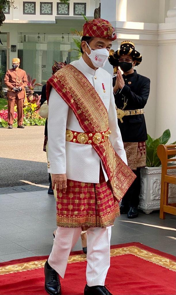 Baju adat Lampung yang dikenakan Jokowi saat HUT RI ke-76